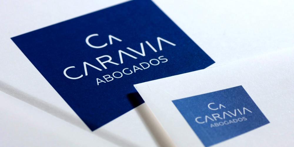 Diseño y desarrollo web de Caravia abogados