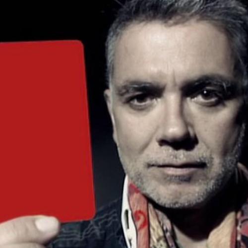 Campaña contra la violencia de género saca la tarejeta roja producida por la agencia Bendito Dilema